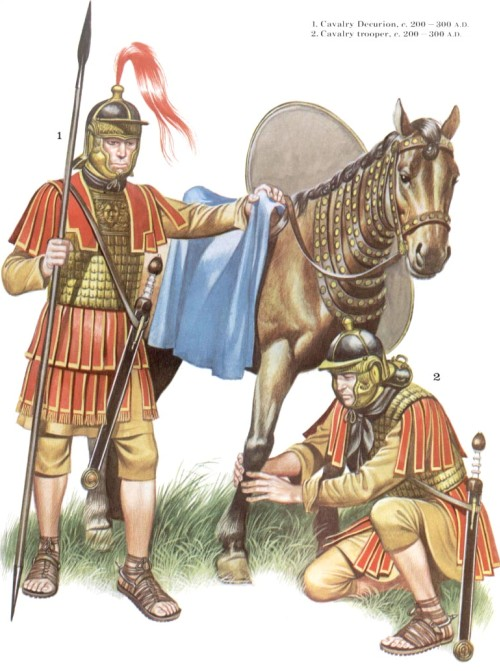 1 - кавалерийский декурион (200-300 гг. н.э.); 2 - кавалерист (200-300 гг. н.э.)