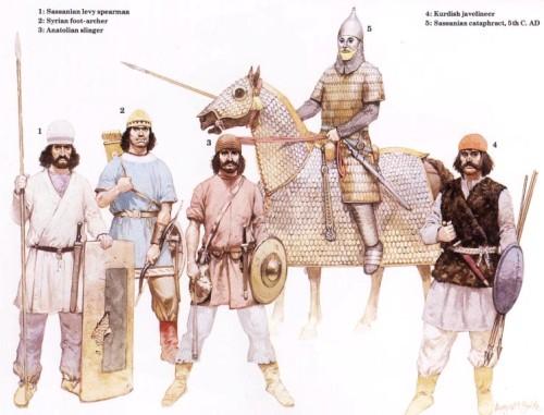1 - сассанидский ополченец-копейщик; 2 - сирийский пеший лучник; 3 - анатолийский пращник; 4 - курдский метатель дротиков; 5 - сассанидский катафракт (V в. н.э.)
